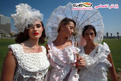 تصاویر لباس عروسهایی از جنس دستمال توالت www.TAFRIHI.com