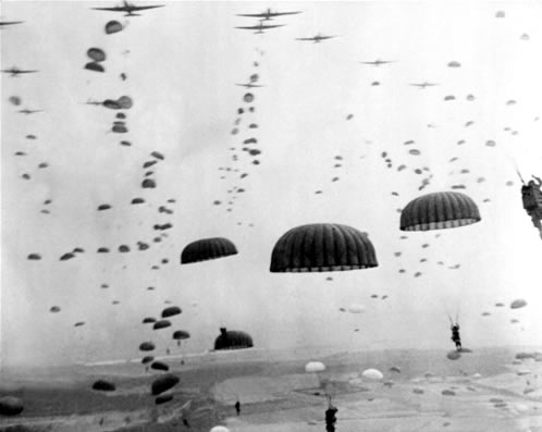 عکس چتر بازان در جنگ جهانی دوم