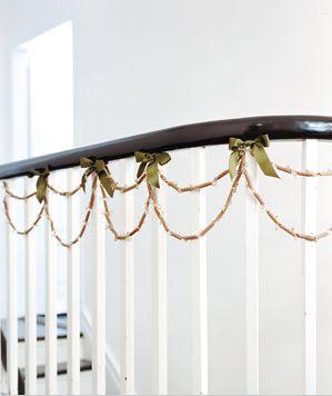 حلقه های گل با ماکارونی,تزیین منزل با وسایل موجود در آشپزخانه,ایده هایی برای تزیین خانه با وسایل موجود در آشپزخانه
