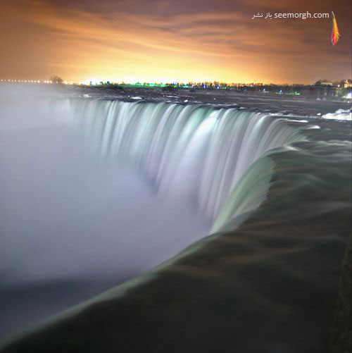آبشار نیاگارا در شب