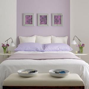 در دکوراسیون اتاق خواب تان میز کنار تخت خواب را فراموش نکنید,نکات طلایی برای تغییر دکوراسیون اتاق خواب,دکوراسیون اتاق خواب,تغییردکوراسیون اتاق خواب