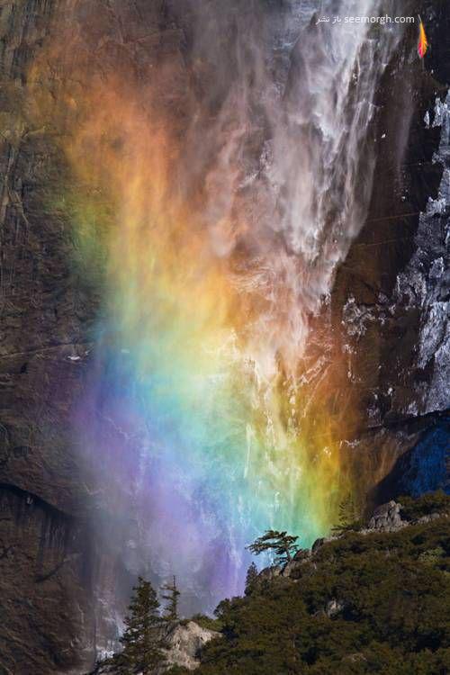 [Image: fire_waterfall_yosemite_10.jpg]