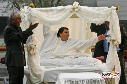 تصاویر مراسم عروسی چاقترین مرد جهان www.TAFRIHI.com