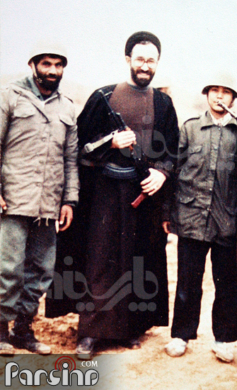 عکس: سید محمد خاتمی تفنگ به دست!