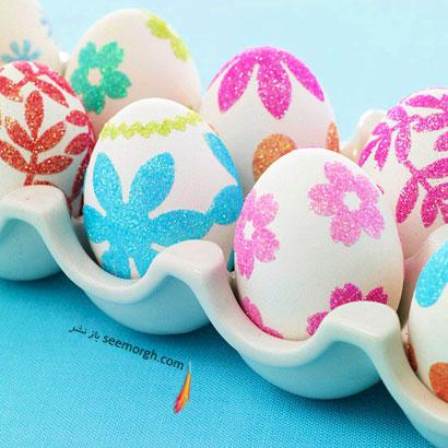 سینی پر از تخم مرغ تزئین شده
