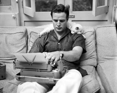 تصاویر مارلون براندو و گربه اش