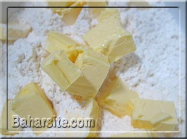 مرحله اول درست کردن تارت میوه ای برای نوروز