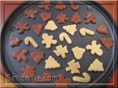 مرحله دهم درست کردن شیرینی آدمکی برای کریسمس