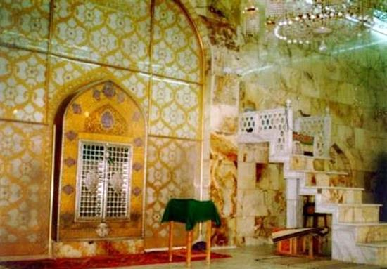 محراب مسجد کوفه محل ضربت خوردن حضرت علی (ع)