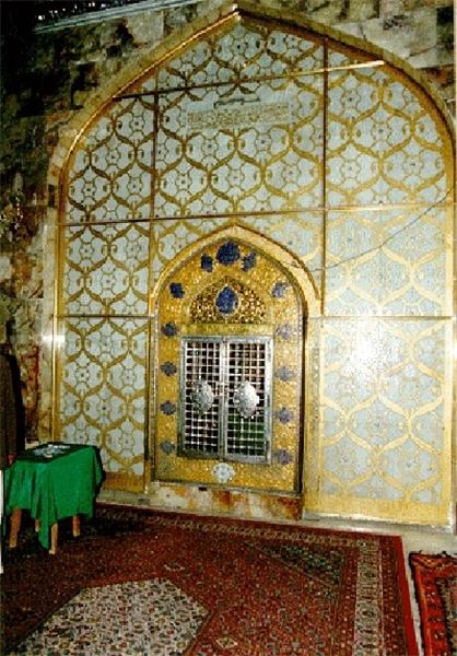 مسجد کوفه محل ضربت خوردن امام علی ع