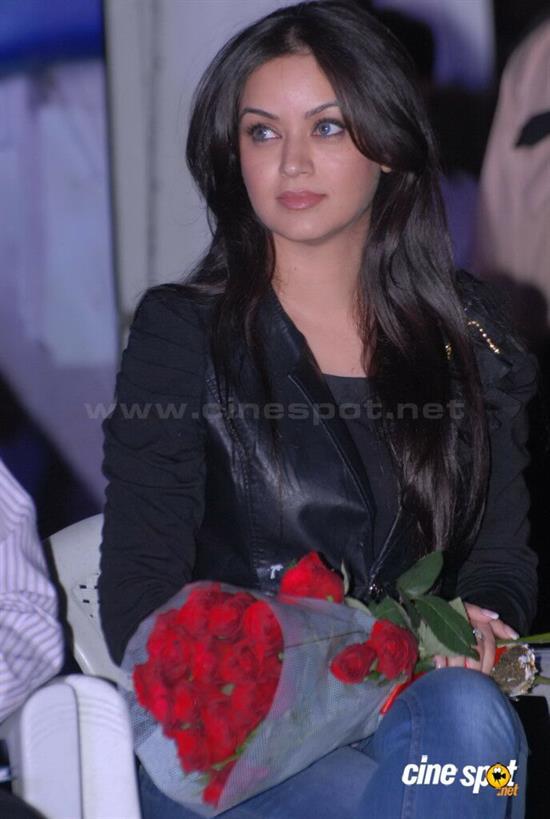 بازیگران هندی موفقیت فیلم هندی با بازی بازیگر زن ایرانی در نقش اصلی + تصاویر