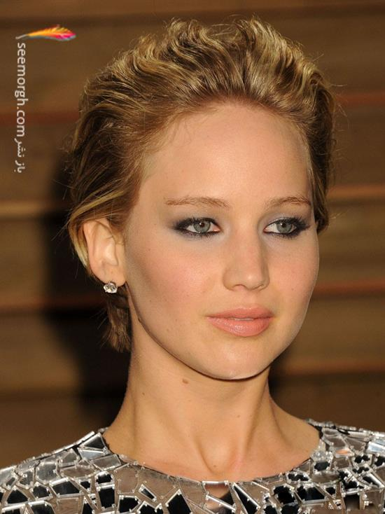 http://www.seemorgh.com/uploads/1392/12/jennifer-lawrence-2014-vanity-fair-oscar-party3.jpg