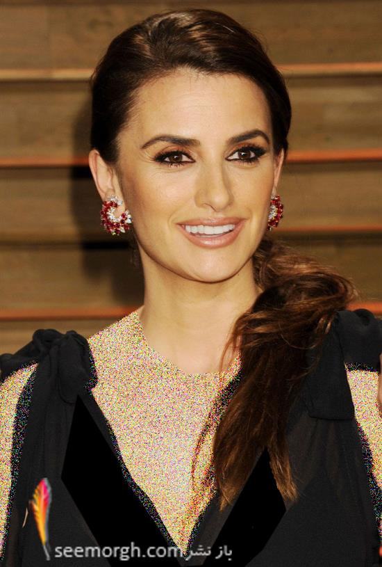 http://www.seemorgh.com/uploads/1392/12/penelope-cruz-2014-vanity-fair-oscar-party2.jpg