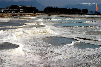 [Image: natural_wonders_turkey_pamukkale-594x395.jpg]